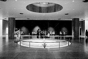 Encyclopedia Smithsonian: Foucault Pendulum