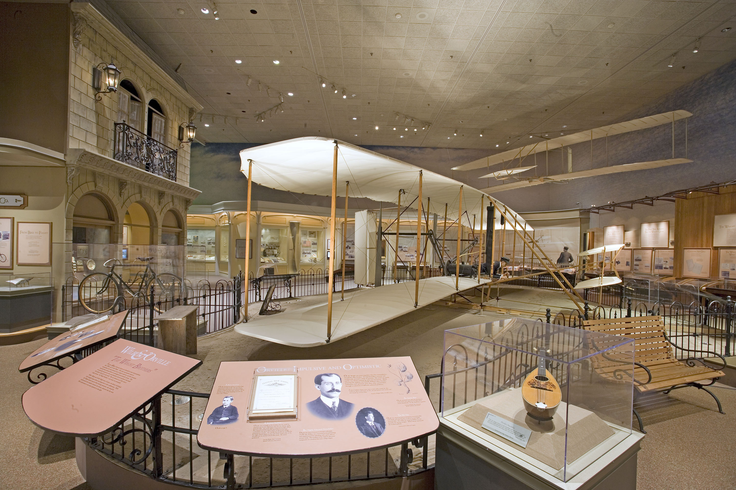 1903 Wright Flyer And Exhibits Smithsonian Institution