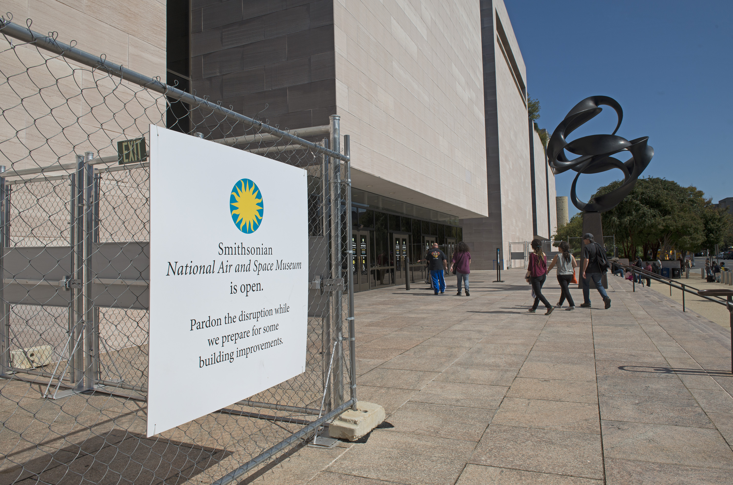 National Air And Space Museum Will Remain Open As Exterior And