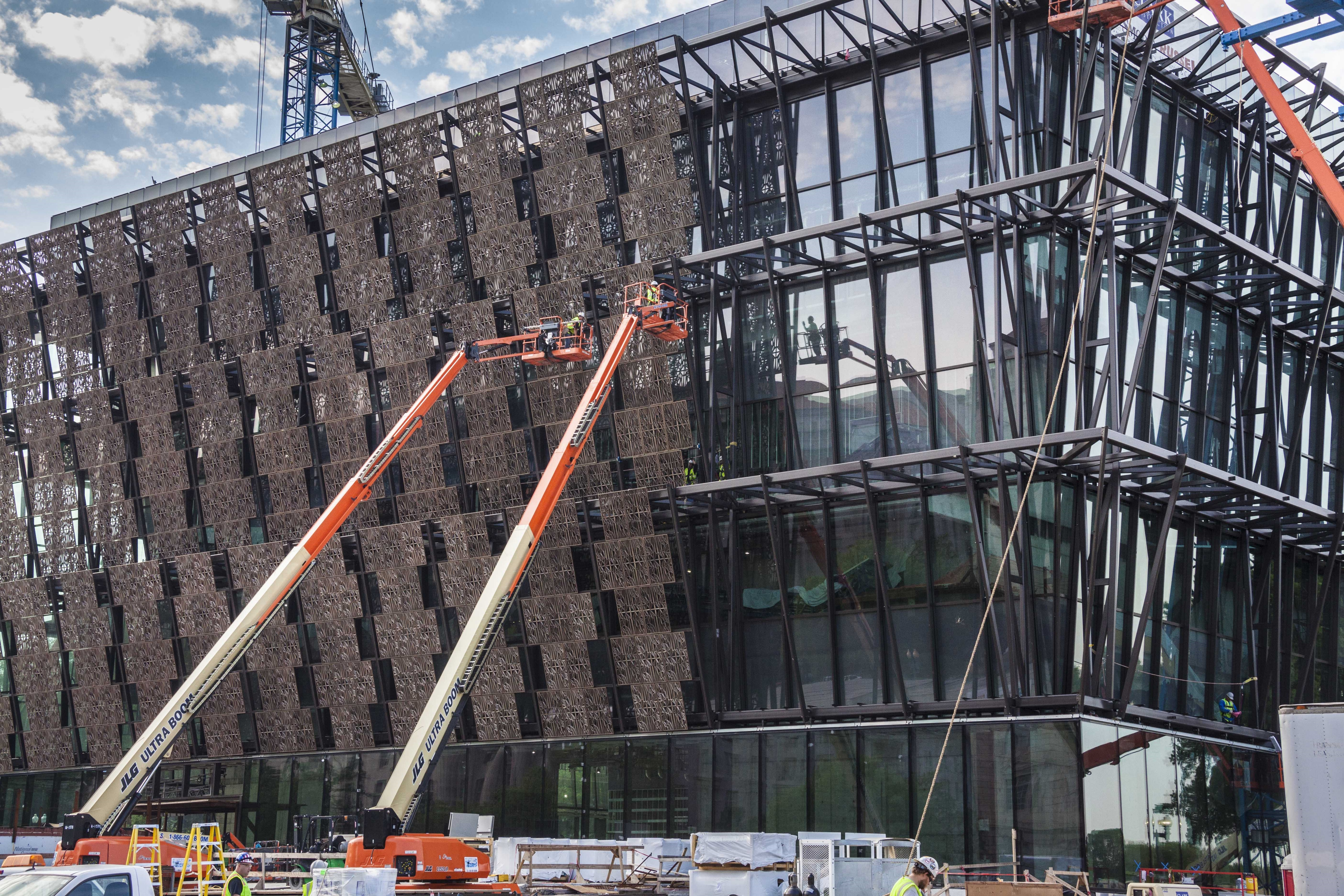 Nmaahc Installation Of Corona Panels Smithsonian Institution