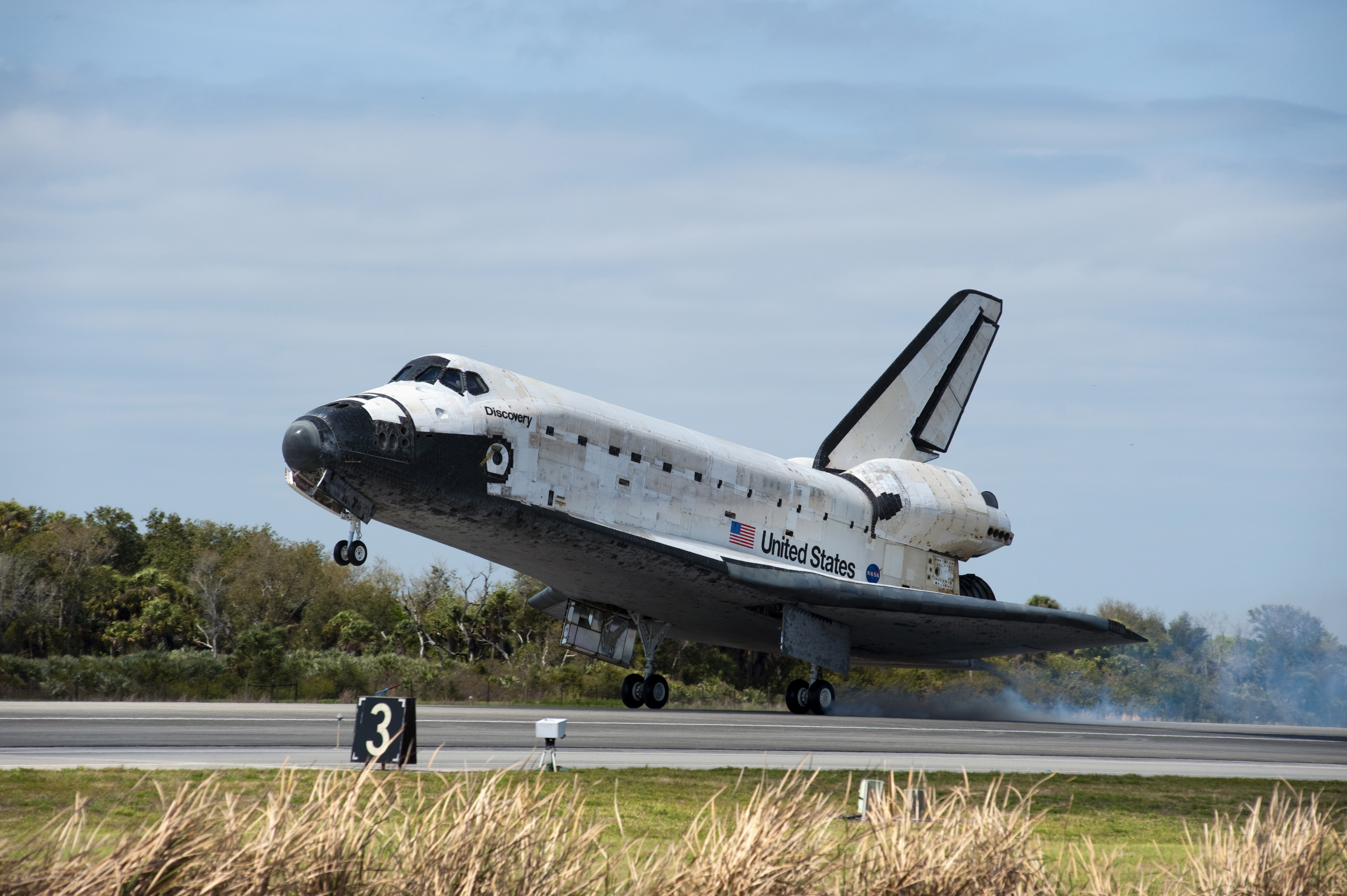 space shuttle discovery - HD3000×1996