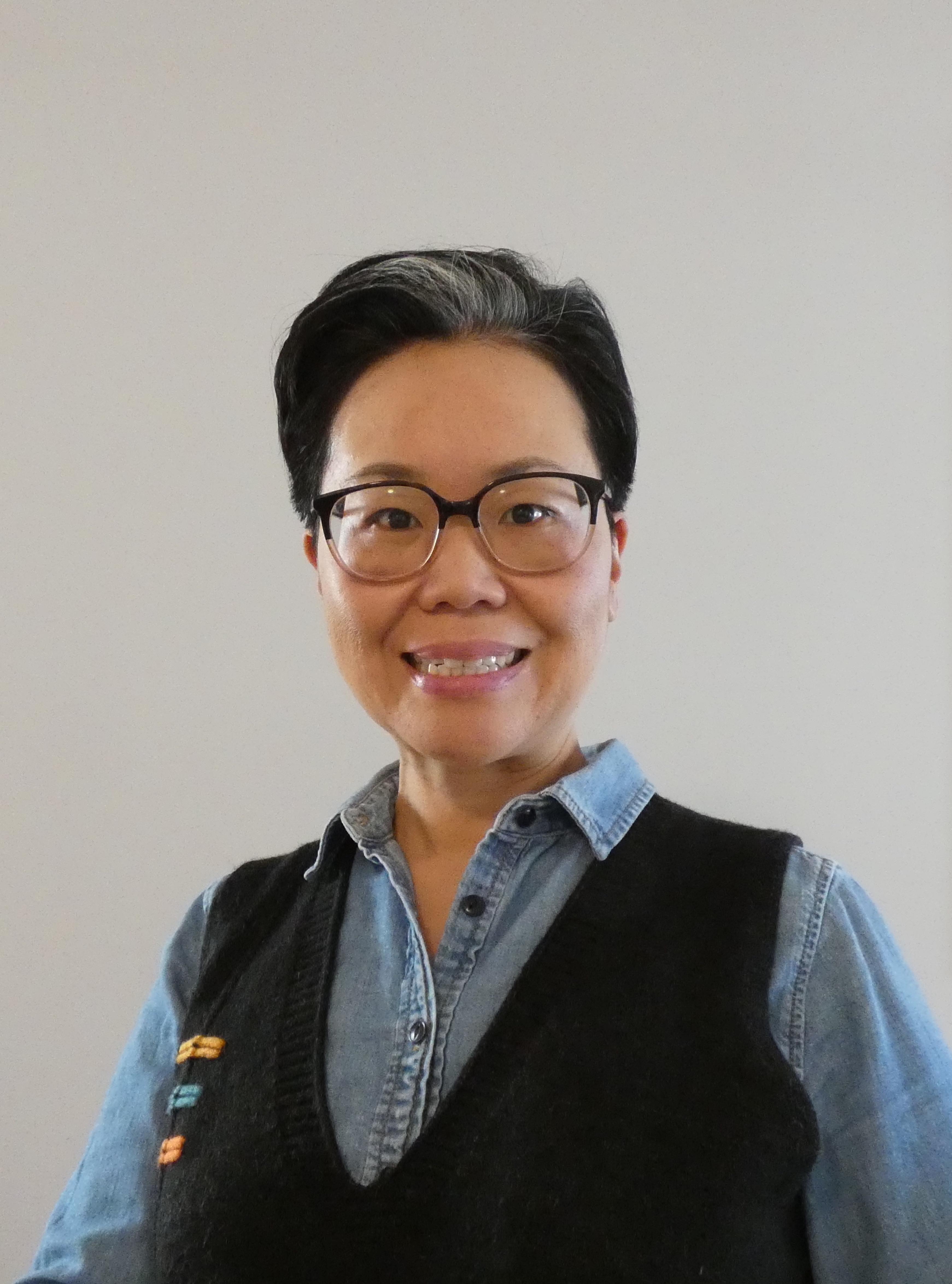 Head shot of Linda Kim