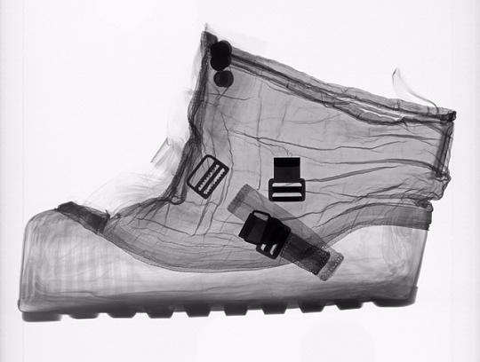 moon boot x-ray
