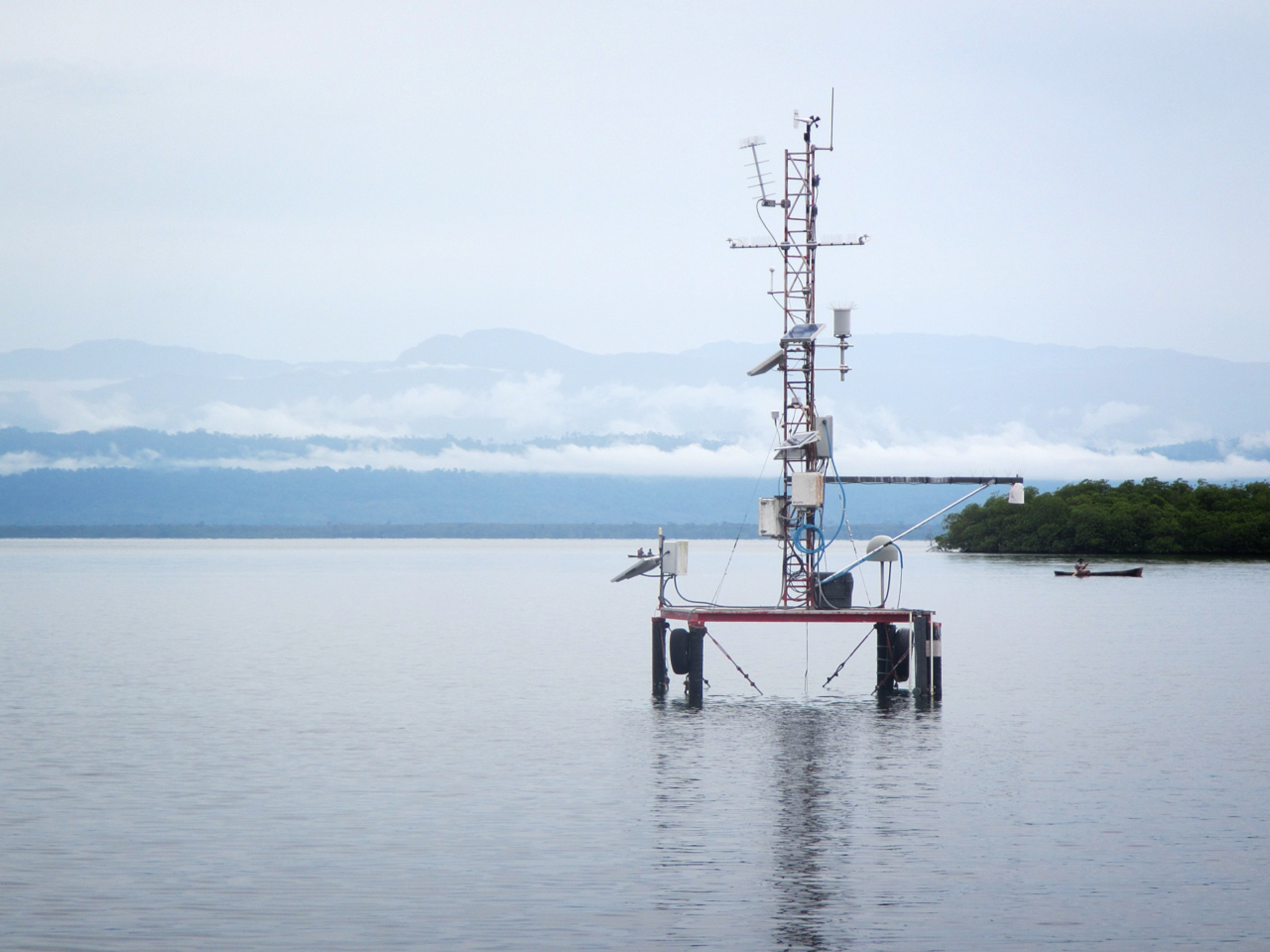 The research platform at the Bocas STRI station, where the microplastics were deployed.