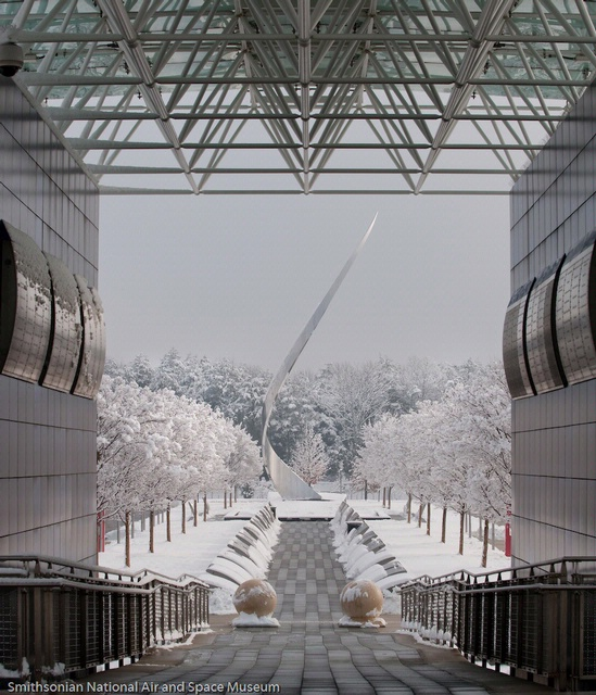 Snowy seen photographed from Udvar Hazy Center
