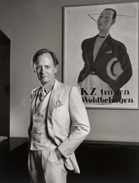 Black and white photo of Tom Wolfe