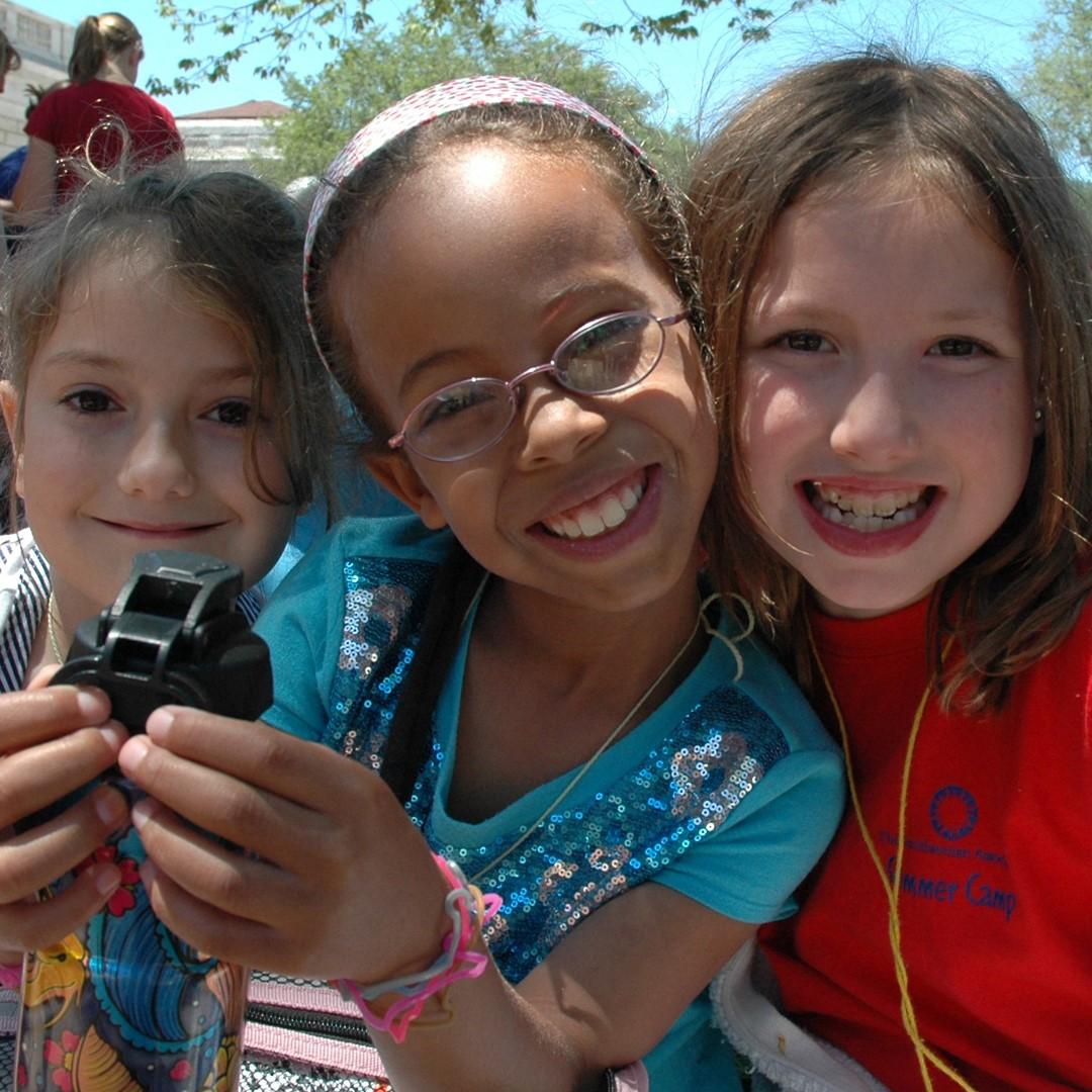 Children from Smithsonian Summer Camp
