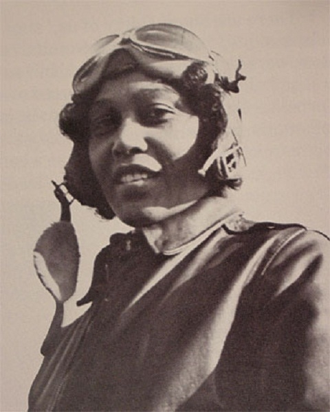 photo of early female aviator