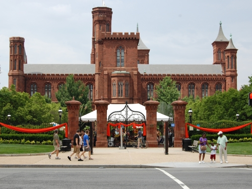 Smithsonian Castle and Enid Haupt Garden