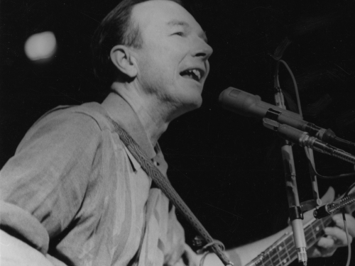 Pete Seeger Playing Banjo