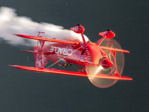 Oracle Challenger aircraft
