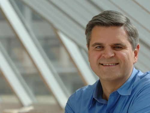 Photo of Steve Case wearing blue shirt