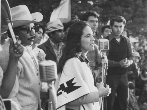 Dolores Huerta speaks to United Farm Workers members