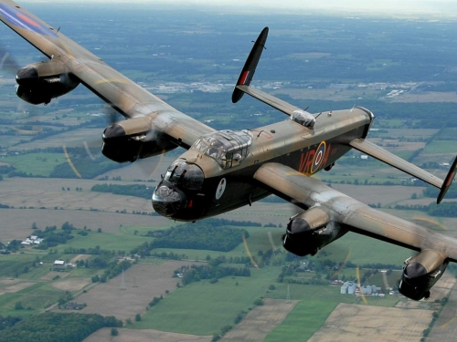 Canadian Warplane Heritage Museum's Avro Lancaster, one of only two airworthy La