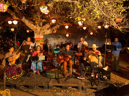 Pasatono, Mexican music ensemble