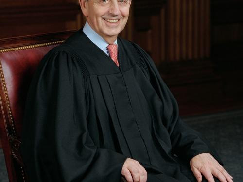 Formal portrait of Supreme Court Justice Breyer