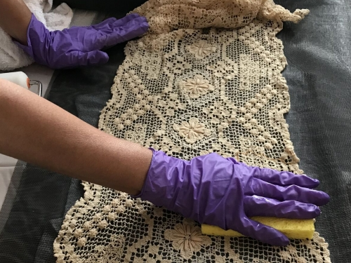 cleaning textile