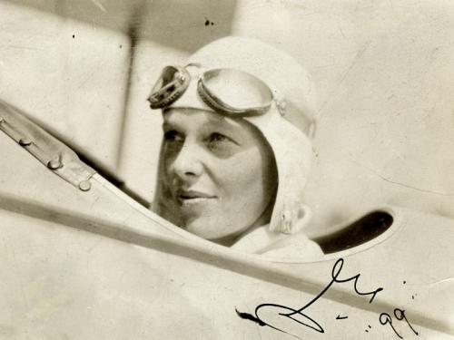 amelia earhart i pilots seat