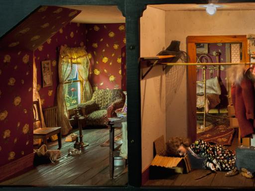 Nutshell Studies - red bedroom