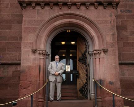 Smithsonian Regents Name Lonnie Bunch 14th Smithsonian Secretary