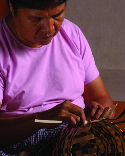 Cherokee basket maker Louise Goings