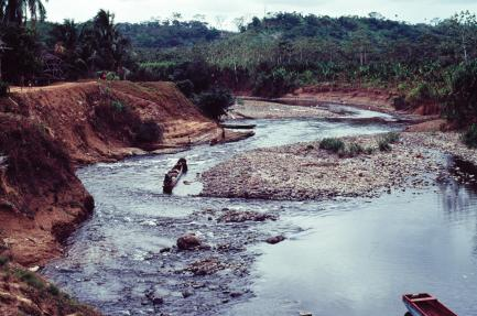 Shallow river with islands and mudflats