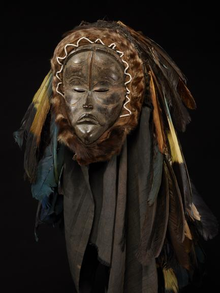 Mask with shoulder cloth