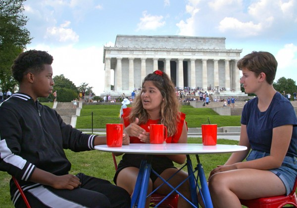 Teens in front of the Lincoln Memorial