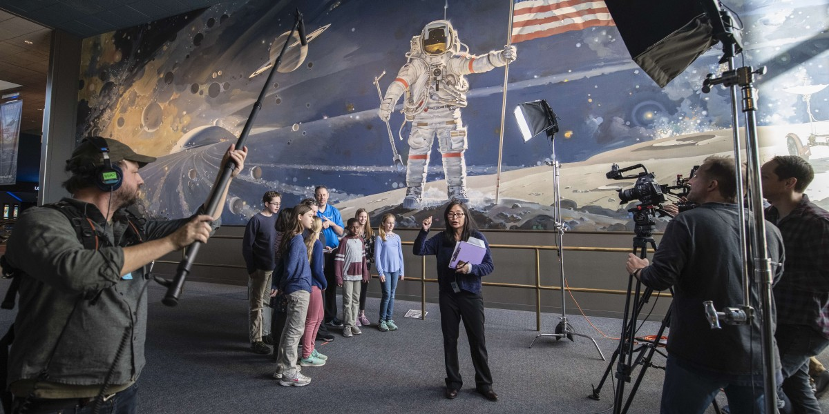 Smithsonian and PBS To Provide Free Content to Educators